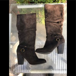 """Guess """"Mahalan"""" Brown Suede Boots"""